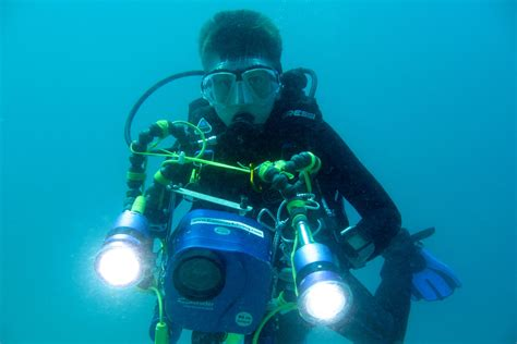 scuba diving diver equipment gear pictures photos underwater