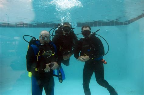 Deep Sea Diving: Deep Sea Scuba Diving