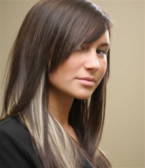 dark brown hair with blonde highlights style and model
