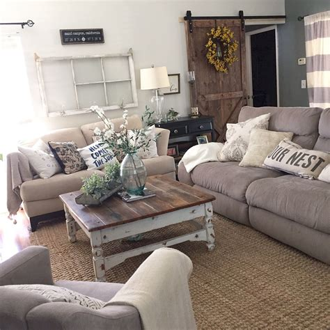 Adorable Cozy And Rustic Chic Living Room For Your