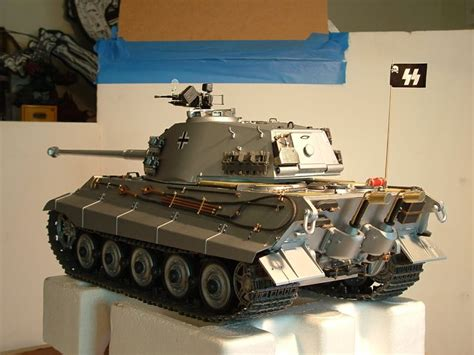 KING TIGER 3/4 MY 1/16 KING TIGER TANK BY TRUMPETER