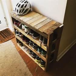 Best 25 Shoe rack pallet ideas on Pinterest Diy shoe