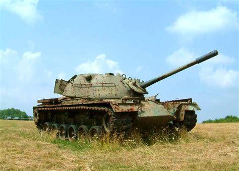 File:Wrack eines Panzers M 48 auf dem Truppenübungsplatz
