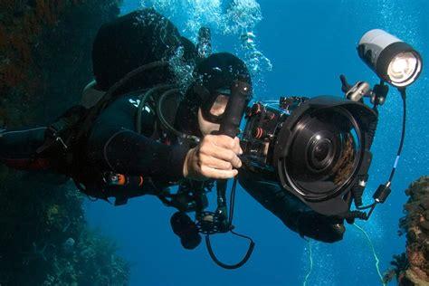 Best DSLR Camera Settings • Scuba Diver Life