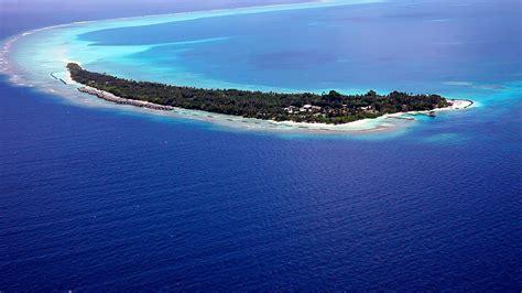 Kuramathi Island Resort in the Maldives (1) HomeDSGN